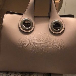 fbbfb63b5d0a Burberry Bags - Burberry The leather Crest Grommet Detail tote
